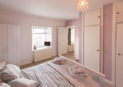 6-pier-road-en-suite-bedroom-2